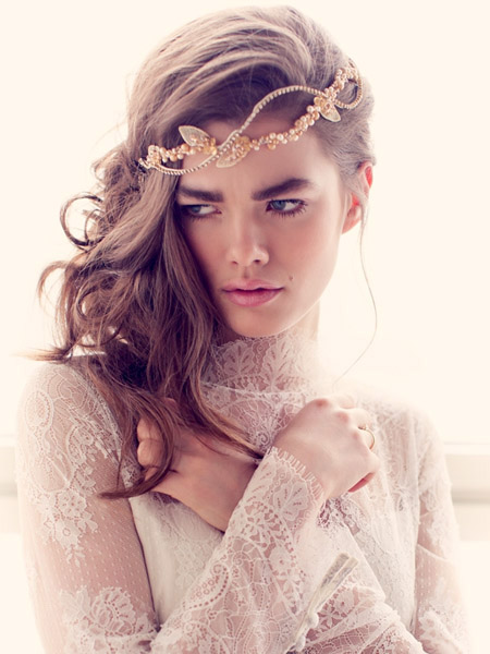 FALL 2016 Trend: An essential for every bride's make-up look is a illuminizing moisturizer, to make even the dullest complexion look radiant.