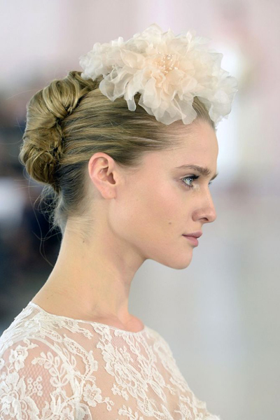 Spring 2016 Bridal Hair & Makeup Beauty Trends - Oh-so-romantic - Flowers!
