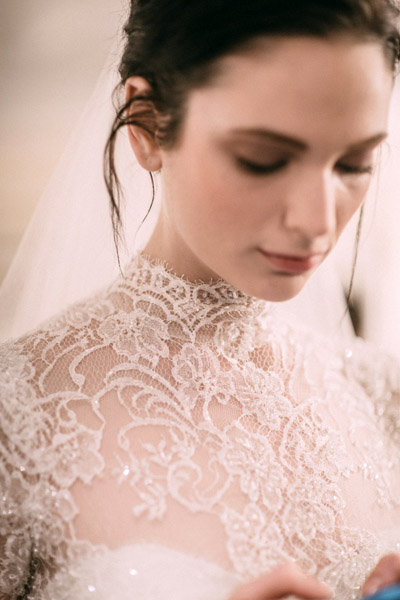 A classic bridal look that evokes a sense of timelessness.